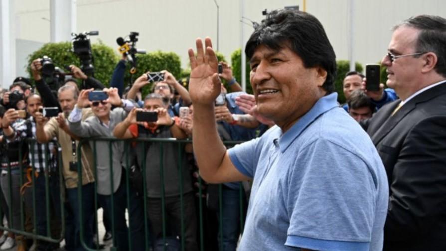 Evo Morales llegó a México tras recibir asilo político - Titulares y suplentes - La Mesa de los Galanes | DelSol 99.5 FM
