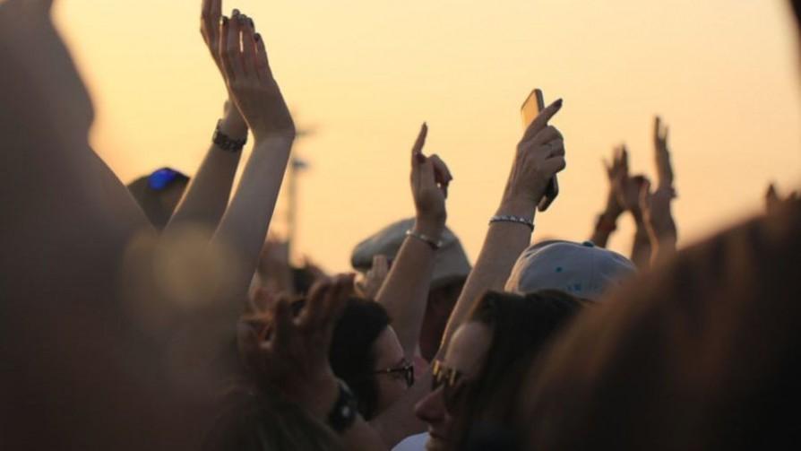 ¿Cuál es la canción que más los hace cachondear al bailar? - Sobremesa - La Mesa de los Galanes | DelSol 99.5 FM