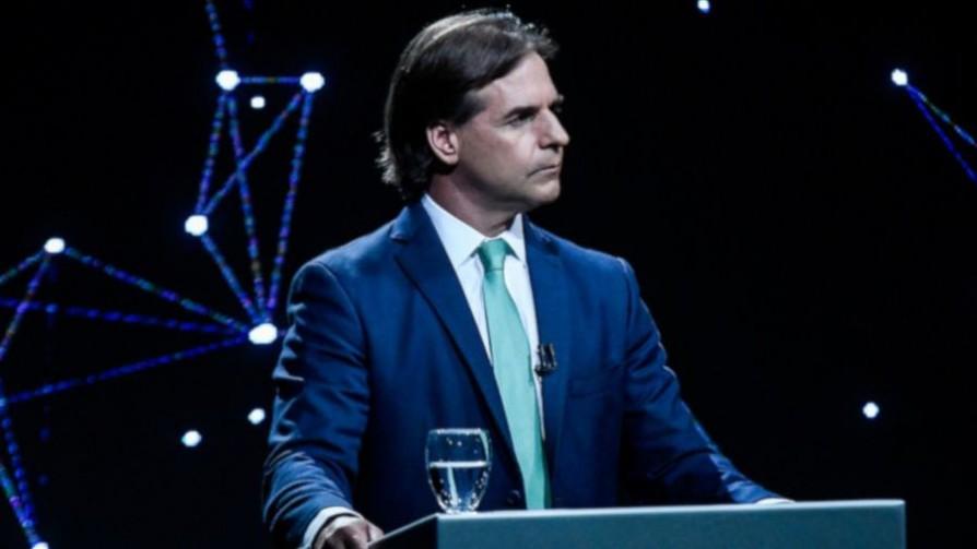 Encuesta Factum: Lacalle Pou 51% y Martínez 43% - Titulares y suplentes - La Mesa de los Galanes | DelSol 99.5 FM