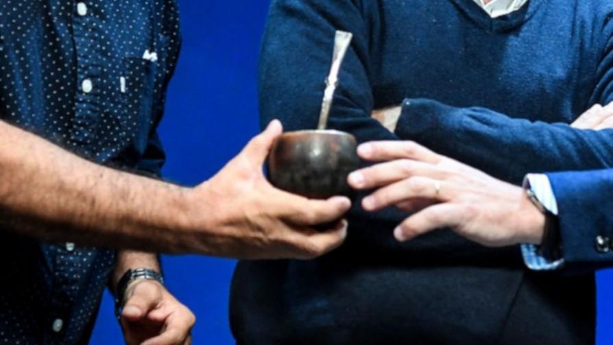 ¿Cómo le explicarían brevemente a los canadienses qué es el mate? - Sobremesa - La Mesa de los Galanes | DelSol 99.5 FM
