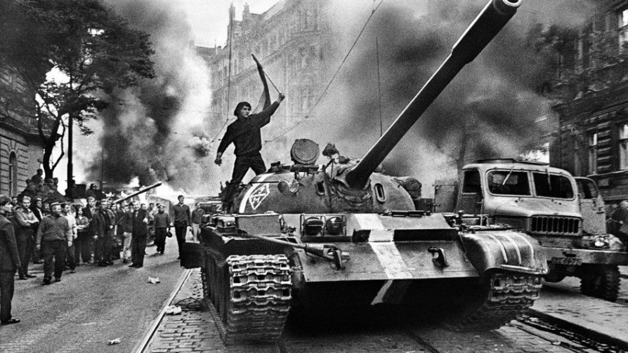 Koudelka: el ingeniero gitano y la Primavera de Praga - Leo Barizzoni - No Toquen Nada | DelSol 99.5 FM