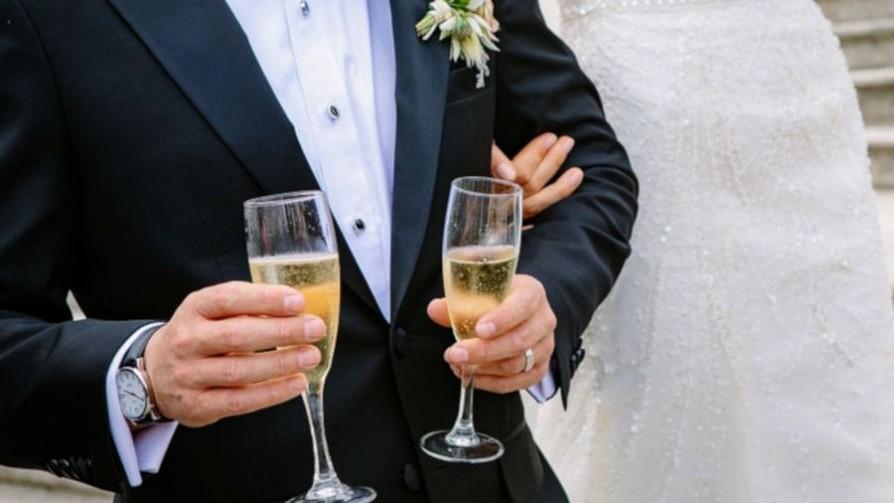 ¿Cuánto es lo mínimo que se pone en un colectivo para un casamiento? - Sobremesa - La Mesa de los Galanes | DelSol 99.5 FM