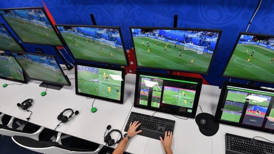 Cuándo se usa el VAR según la FIFA y cuándo según Darwin - Columna de Darwin - No Toquen Nada | DelSol 99.5 FM