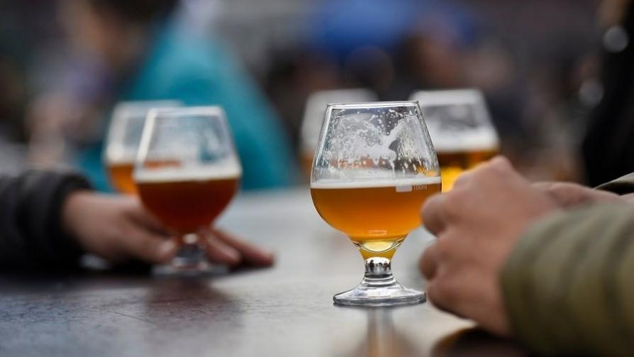 Ley de alcohol: límites a la publicidad y espectáculos públicos - Informes - No Toquen Nada | DelSol 99.5 FM