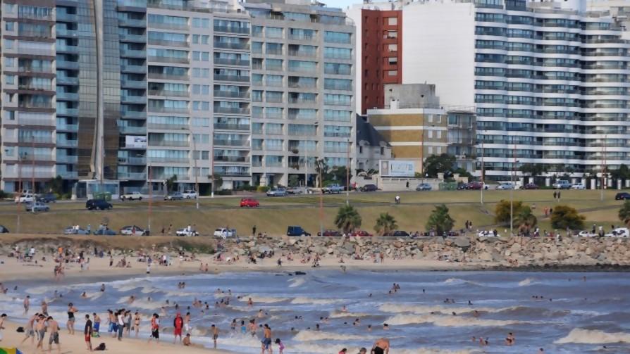 ¿Qué porcentaje de personas que viven en barrios con playa bajan a esa playa? - Sobremesa - La Mesa de los Galanes | DelSol 99.5 FM