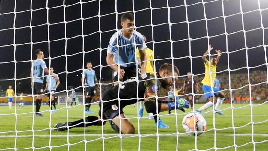 El anali de Darwin del gol que se hizo De Arruabarrena - Darwin - Columna Deportiva - No Toquen Nada   DelSol 99.5 FM