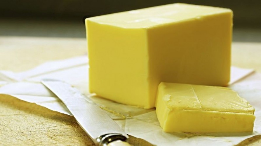 ¿Cómo se raspa la manteca para untar en el pan, ¿en vertical o sobre el lomo del bloque? - Sobremesa - La Mesa de los Galanes | DelSol 99.5 FM