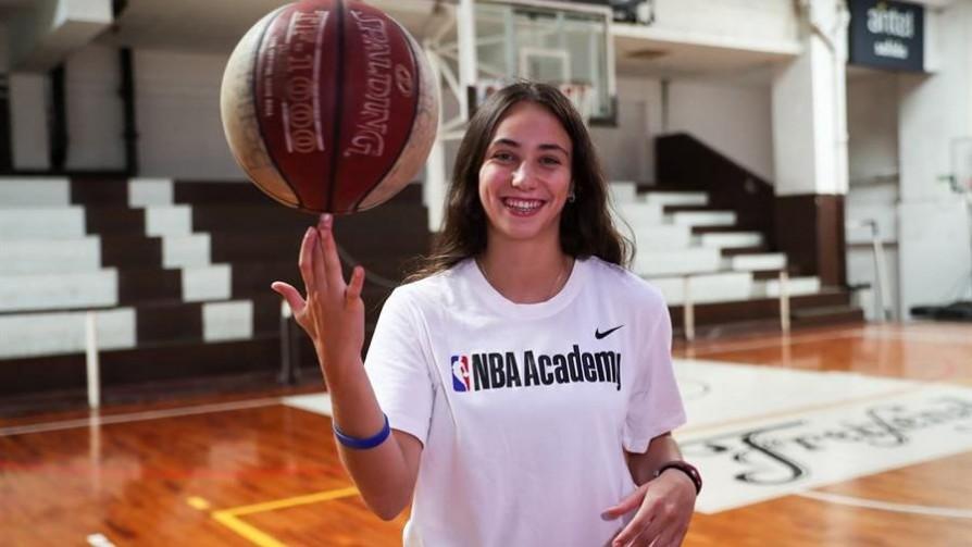 Una uruguaya en la NBA: La experiencia de Florencia Niski - Entrevistas - 13a0 | DelSol 99.5 FM