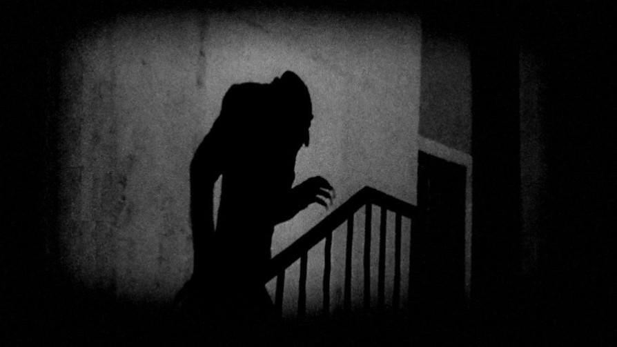 Instrucciones para cuidarse de los vampiros - Segmento dispositivo - La Venganza sera terrible | DelSol 99.5 FM