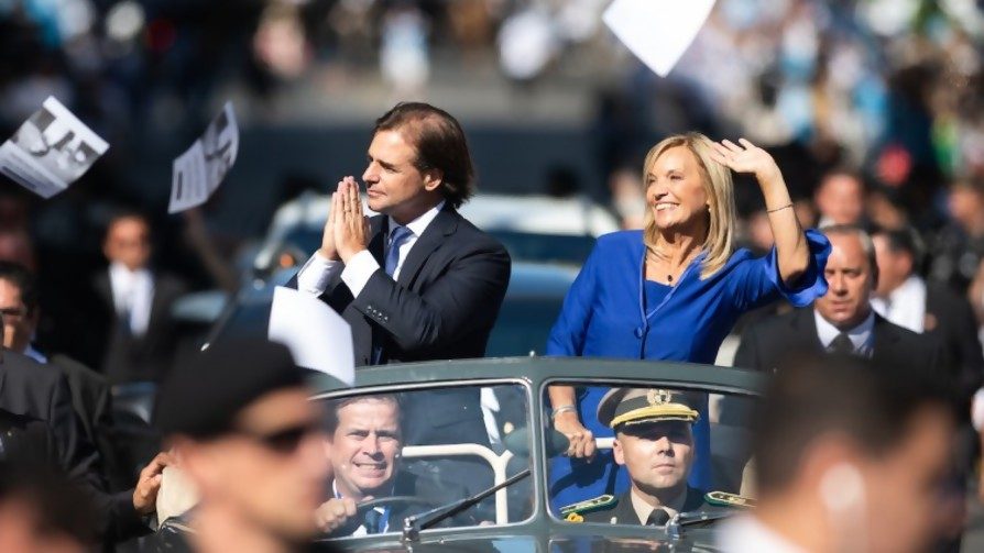 ¿Qué Gobierno tendremos? Sanguinetti dice multicolor, Heber dice blanco - Audios - Facil Desviarse | DelSol 99.5 FM