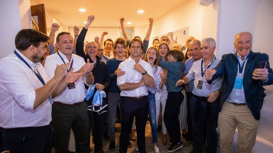 El fotógrafo de la campaña de Lacalle Pou y el coronavirus en Italia según Darwin - NTN Concentrado - No Toquen Nada | DelSol 99.5 FM