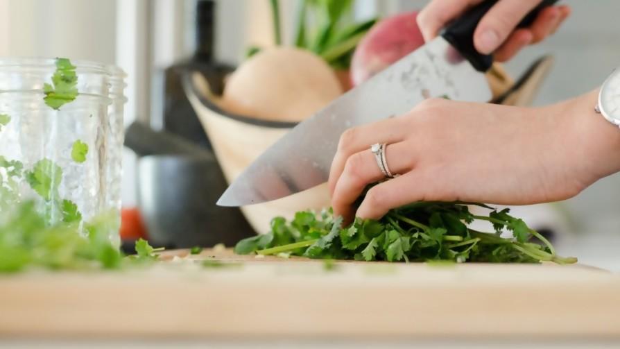 Cocinando desde cero - parte 1 - De pinche a cocinero - Facil Desviarse | DelSol 99.5 FM