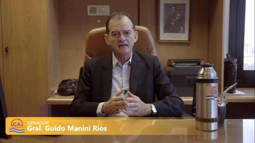 "Manini mejoró como ""milituber"" y la ""cuarentena nacional y popular"" de Argentina - Columna de Darwin - No Toquen Nada | DelSol 99.5 FM"