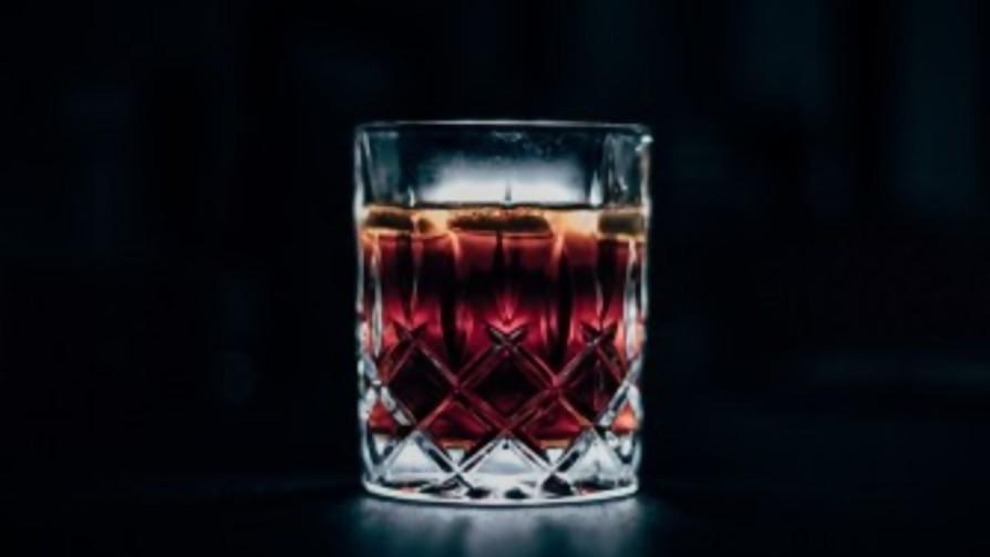 El distanciamiento social complica el distanciamiento al alcohol - Audios - Facil Desviarse | DelSol 99.5 FM