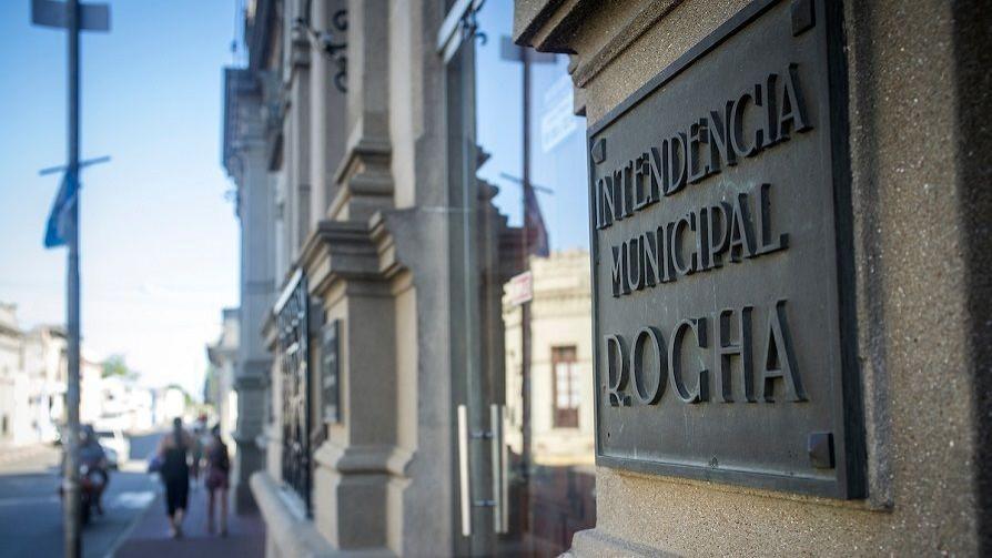 Rocha evalúa pedir al gobierno que no se cobren facturas de OSE, UTE, Antel a los más necesitados - Entrevistas - Doble Click | DelSol 99.5 FM