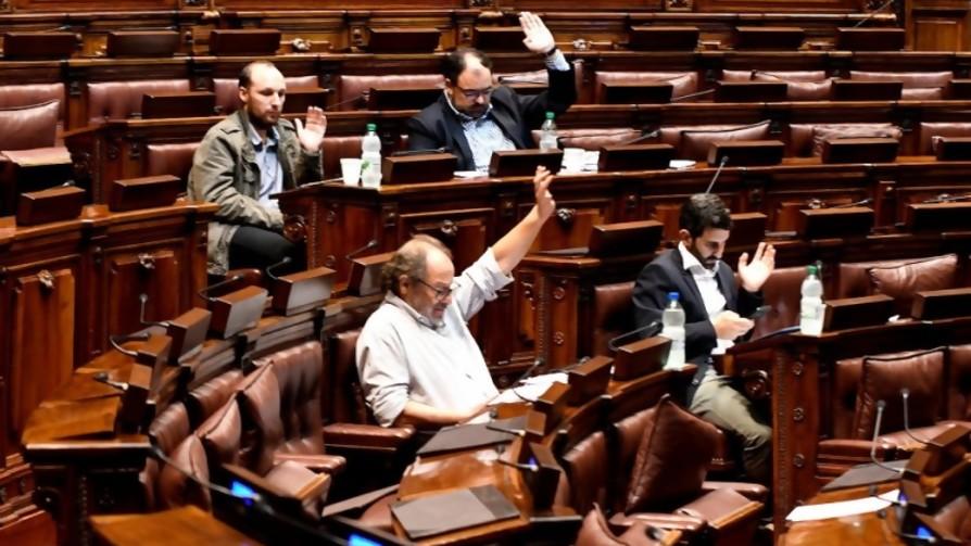 """Fondo Coronavirus en el Senado: entre las """"señales"""" y la """"miseria política"""" - Informes - No Toquen Nada   DelSol 99.5 FM"""