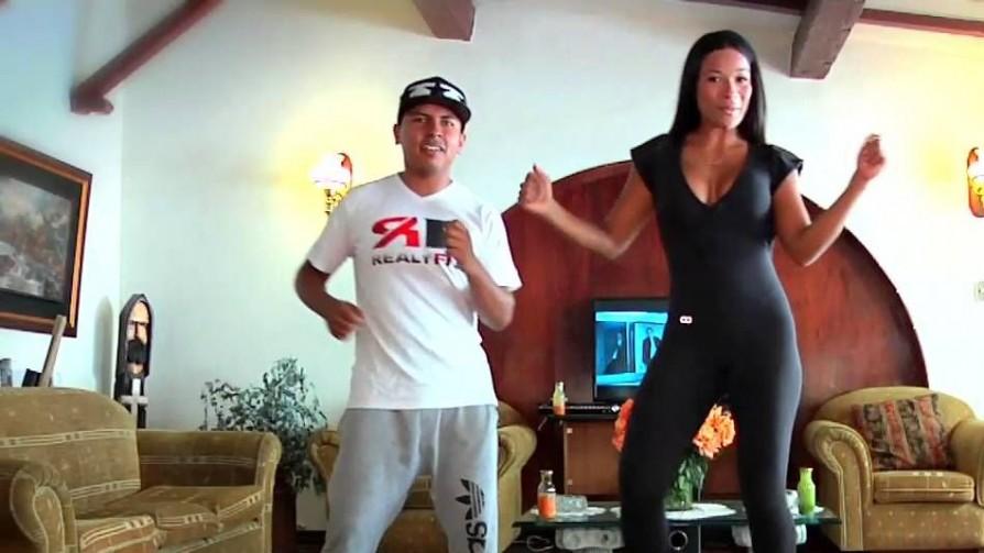 Solo te pedimos que corras lo muebles y bailes en tu casa - Corré los muebles  - Pueblo Fantasma | DelSol 99.5 FM