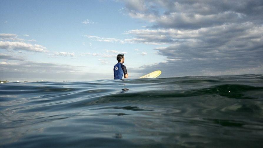 La persecución a los surfistas como deporte del momento - Darwin - Columna Deportiva - No Toquen Nada   DelSol 99.5 FM