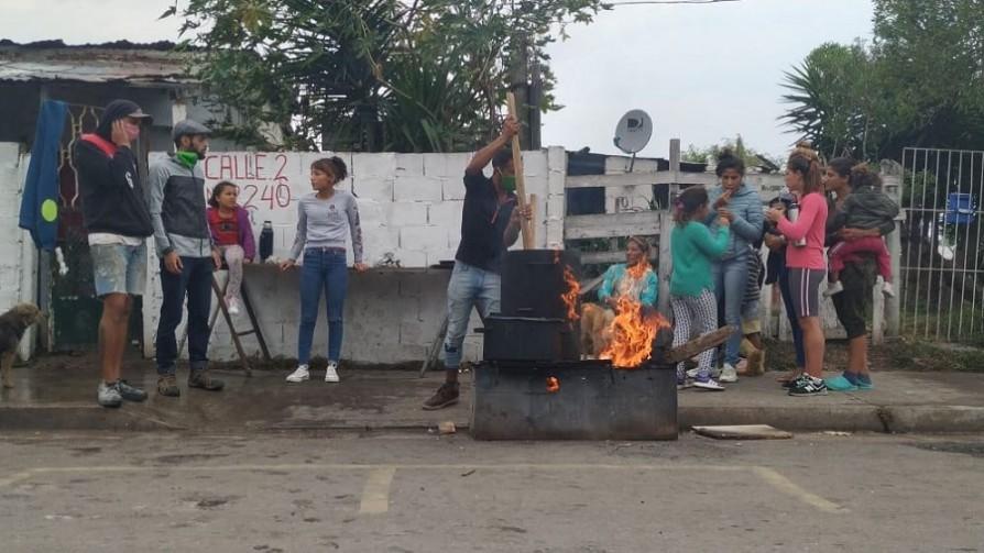 Operativos policiales en Malvín Norte - Carne con Ojos - Facil Desviarse | DelSol 99.5 FM