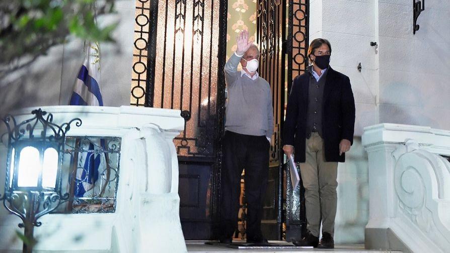 Darwin, la visita de Lacalle a Tabaré Vázquez y Rivera con el brote religioso - Columna de Darwin - No Toquen Nada | DelSol 99.5 FM