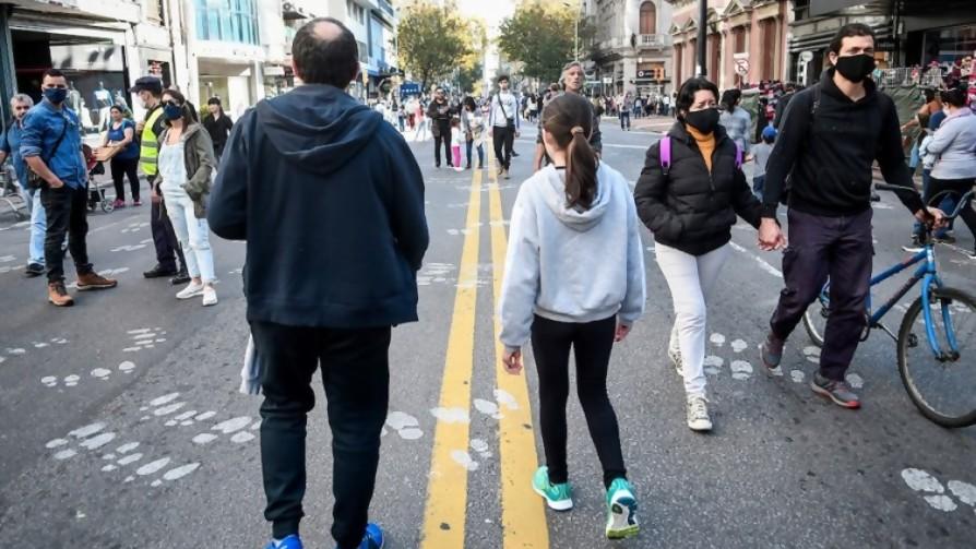Di Cándido: de pedir toque de queda sanitario a Alfredito Covichegaray organizador del Covid-Parade - Columna de Darwin - No Toquen Nada | DelSol 99.5 FM