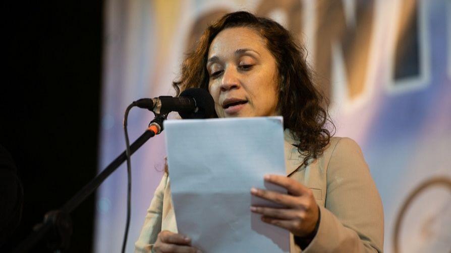 """""""A las mujeres cuando hablamos en el Parlamento no nos escuchan"""" - Entrevistas - Doble Click   DelSol 99.5 FM"""