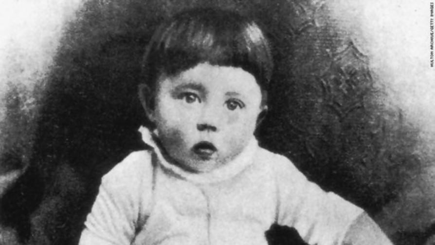 Te encontrás a Hitler bebé, ¿lo educás o lo matás? - Sobremesa - La Mesa de los Galanes | DelSol 99.5 FM