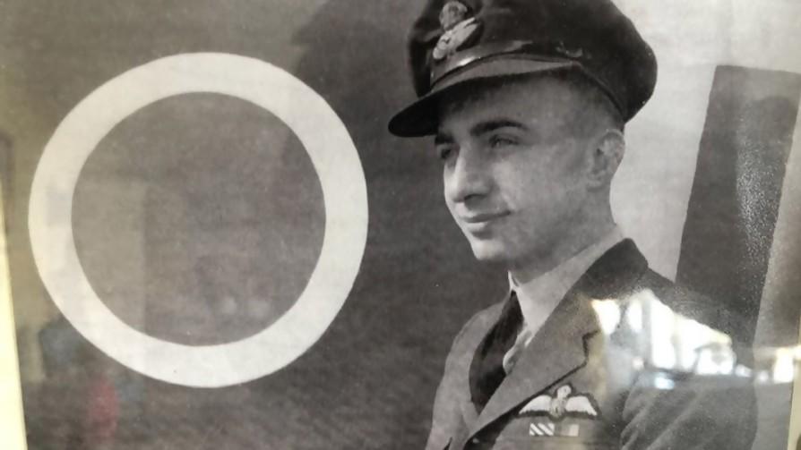 Un uruguayo piloto de la RAF - Blitzkrieg Pop - La Mesa de los Galanes | DelSol 99.5 FM