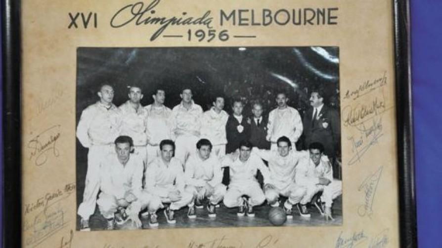 Un largo camino al bronce: Uruguay en los Juegos Olímpicos de 1956 - Alerta naranja: basket - 13a0 | DelSol 99.5 FM