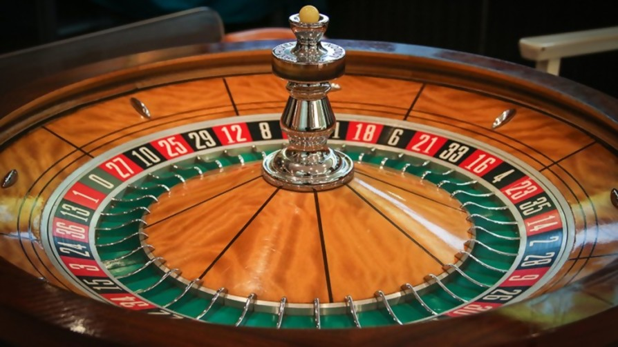 """Creí que me moría sin poder venir al casino"" - Carne con Ojos - Facil Desviarse | DelSol 99.5 FM"