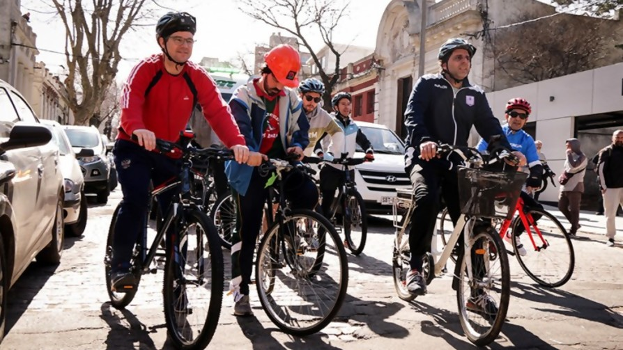 Las biografías deportivas de los ciclistas - Audios - La Mesa de los Galanes   DelSol 99.5 FM