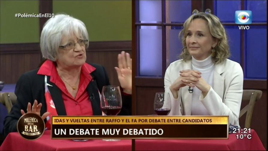 Cruce entre Glenda Rondán y Laura Raffo ¿Quién ganó?  - Tape travieso - Pueblo Fantasma   DelSol 99.5 FM