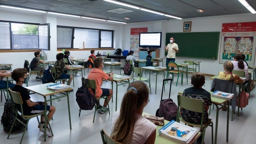 Vuelven las clases en España - Carolina Domínguez - Doble Click | DelSol 99.5 FM