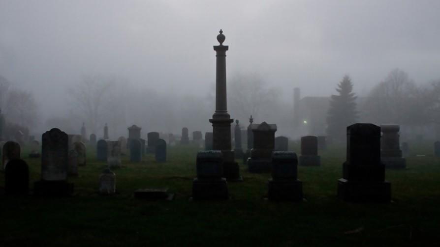 ¿Una noche en el cementerio o una noche en un hospital psiquiatrico? - Sobremesa - La Mesa de los Galanes | DelSol 99.5 FM