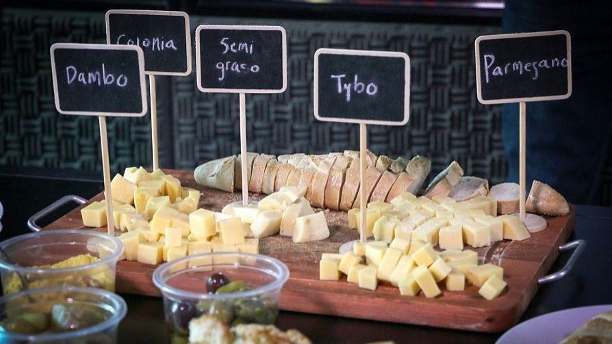 La picada y los quesos  - De pinche a cocinero - Facil Desviarse   DelSol 99.5 FM