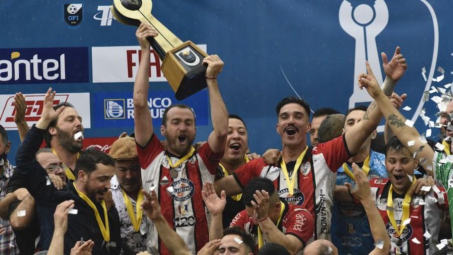 Salto campeón de la Copa Nacional de Selecciones  - Informes - 13a0 | DelSol 99.5 FM