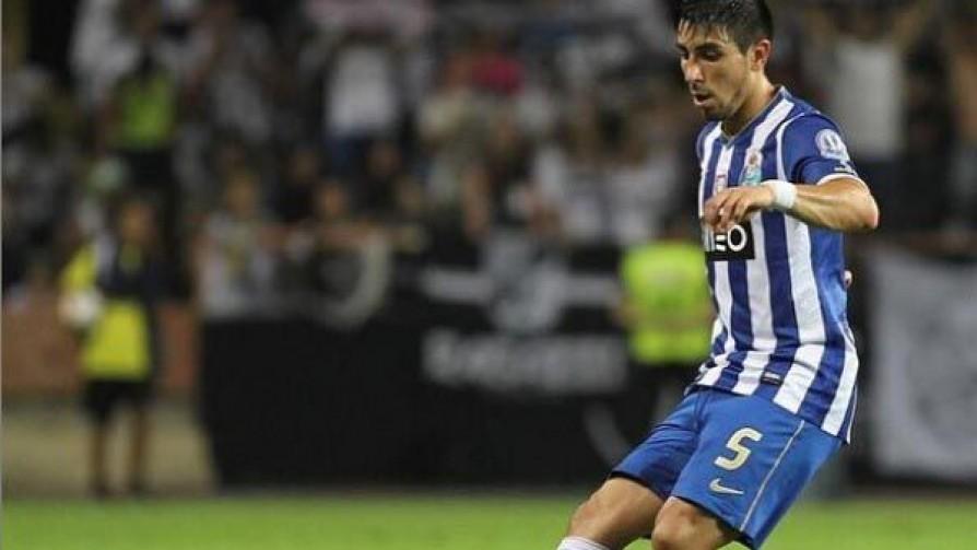 Jugador Chumbo: Jorge Fucile - Jugador chumbo - Locos x el Fútbol | DelSol 99.5 FM