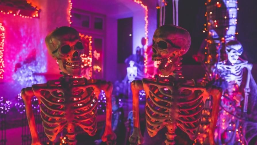 Una buena fiesta para los muertos - Manifiesto y Charla - Pueblo Fantasma | DelSol 99.5 FM