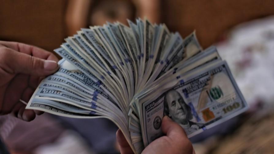 ¿Qué se comprarían para darse un gusto si tuvieran el dinero? - Sobremesa - La Mesa de los Galanes | DelSol 99.5 FM