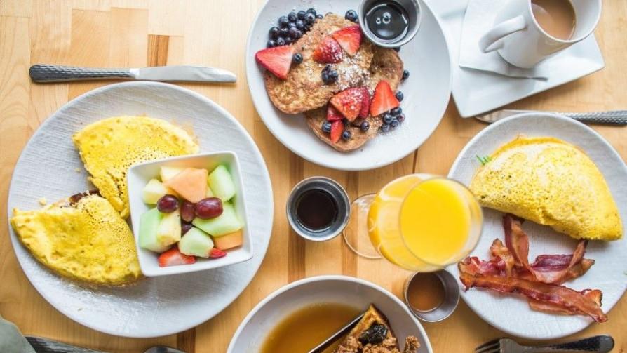 Desayuna como un rey, cena como mendigo tiene nueva evidencia científica - Luciana Lasus - Doble Click | DelSol 99.5 FM
