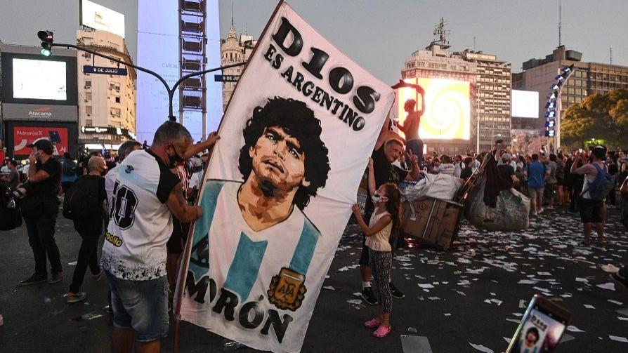 Melodramatón por la muerte de Maradona, 72hs de Duelo Nacional y Popular - Columna de Darwin - No Toquen Nada | DelSol 99.5 FM