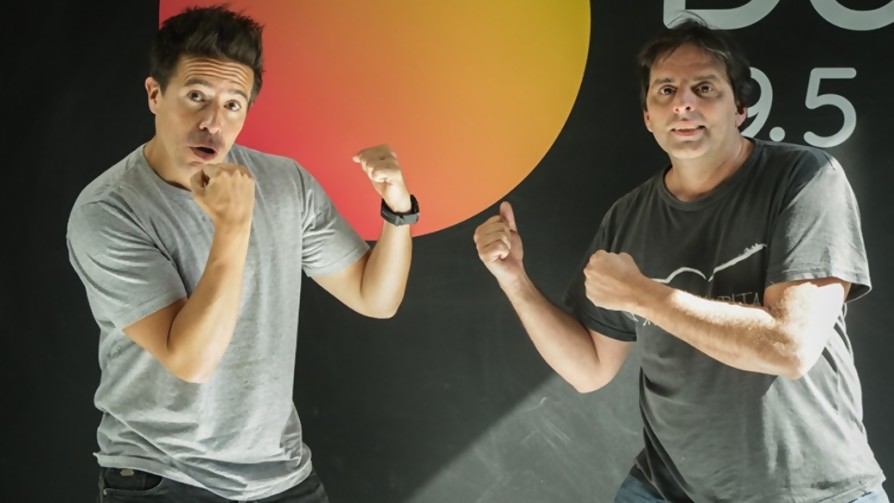 Histórica batalla - DJ vs DJ - La Mesa de los Galanes | DelSol 99.5 FM