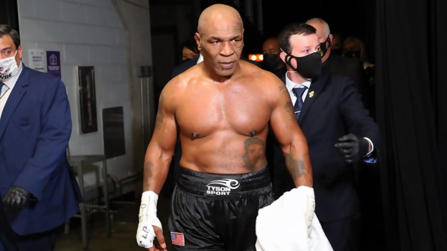 ¿Qué edad tiene que tener Mike Tyson para que uno de nosotros pueda ganarle en una pelea? - Sobremesa - La Mesa de los Galanes | DelSol 99.5 FM