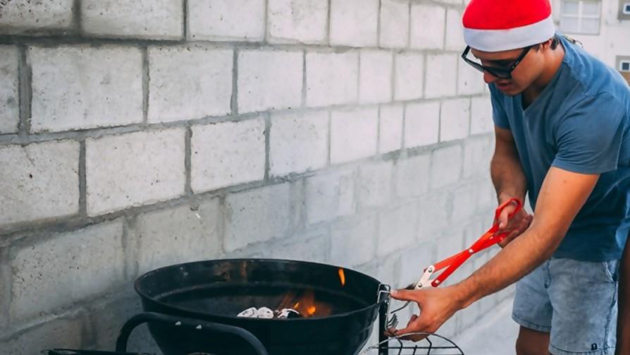 ¿Qué porcentaje de uruguayos accede a un parrillero en las fiestas? - Sobremesa - La Mesa de los Galanes | DelSol 99.5 FM