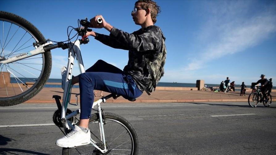 La OMS recomienda 60 minutos diarios en promedio de actividad física para niños y adolescentes - Gastón Gioscia - No Toquen Nada | DelSol 99.5 FM