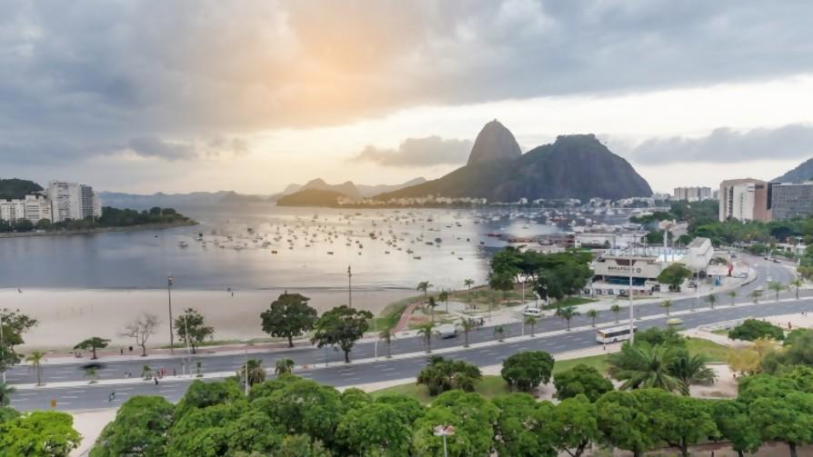 Mira que cosa más linda... o no. Amor y odio por Río de Janeiro  - Entrada en calor - 13a0 | DelSol 99.5 FM