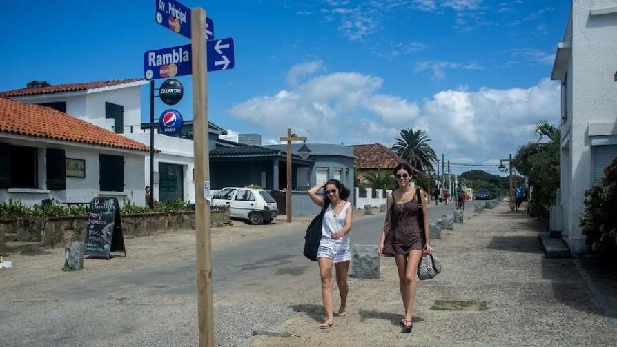 ¿Por qué Rocha suspendió las casas-contenedores? - Entrevista central - Facil Desviarse | DelSol 99.5 FM