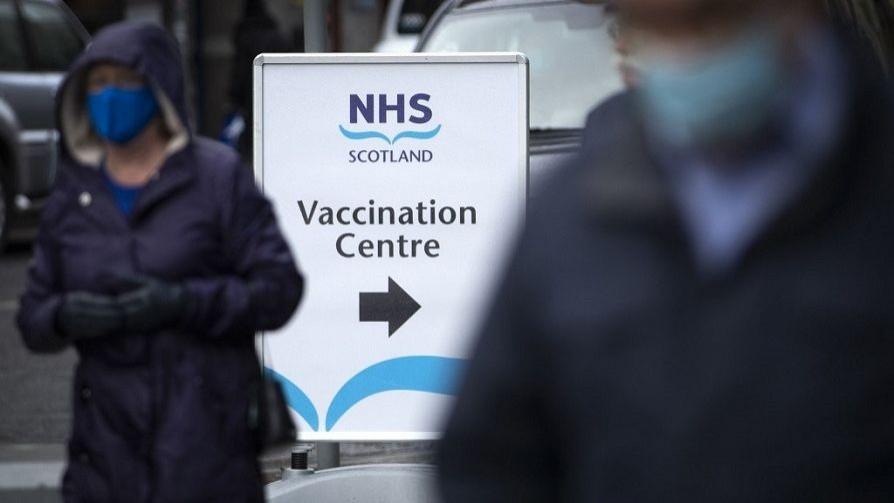 Los problemas que tuvo Europa al aplicar la vacuna y que Uruguay debería prestar atención - Carolina Domínguez - Doble Click | DelSol 99.5 FM