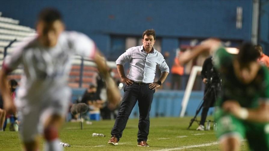 Giordiola volvió a su táctica Ghandi: se deja pegar - Darwin - Columna Deportiva - No Toquen Nada | DelSol 99.5 FM