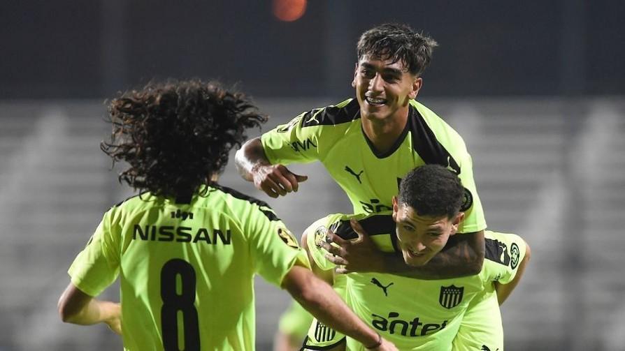 """""""Peñarol fue superior a su rival e hizo los méritos para ganar"""" - Comentarios - 13a0   DelSol 99.5 FM"""